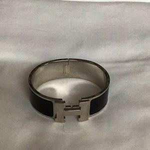 Hermès Clic Clac H Bracelet, Noir